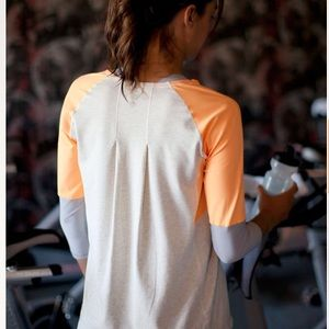 Lululemon spin city top in creamsicle